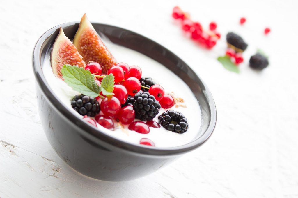 Griekse yoghurt toetje fruit